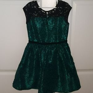 🎄Gymboree Gorls Dress size 7